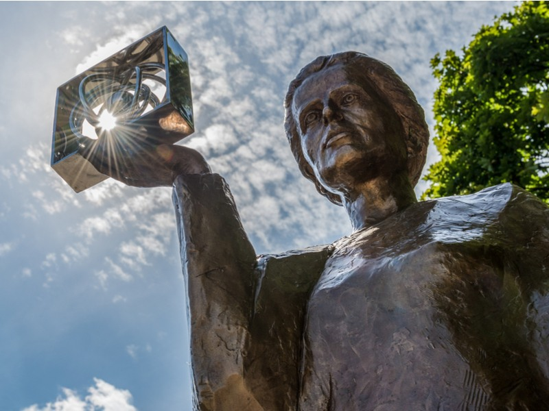 Monument of Polish physicist and chemist, and the first woman to win a Nobel Prize, Marie Sklodowska Curie in Warsaw. Curie embodies the spirit of European medtech innovation that continues today. Image: Fotokon/Shutterstock