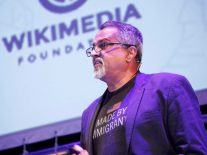 Could Wikipedia help us rebuild trust in journalism?