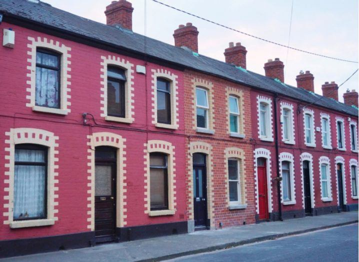Pink houses on South Dock Street (Sraid an Duga Theas) in Dublin. This neighborhood is home to the Google European headquarters. Image: EQRoy/Shutterstock