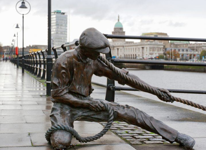 Linesman statue in the Dublin financial district. Image: Andrei Nekrassov/Shutterstock