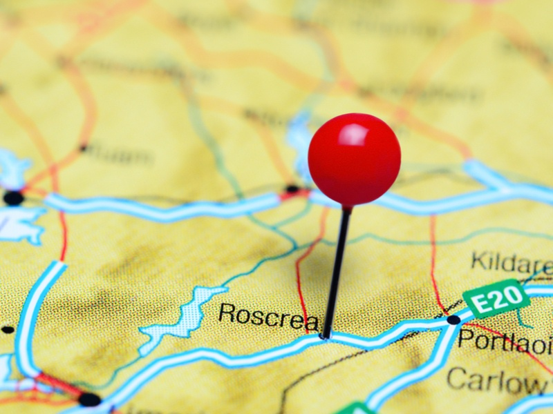 Picture of a pin on a map of Ireland pinpointing Roscrea.
