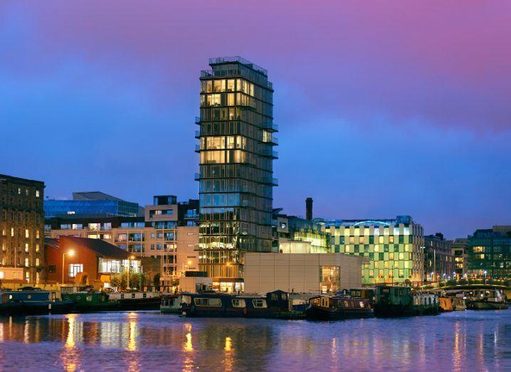 Ireland - Hook Up Travels