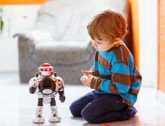 Should kids play with Lego rather than smart toys?