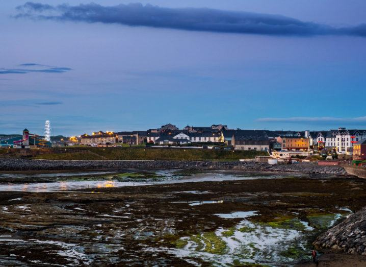 Date With Girls in Bundoran (Ireland) - uselesspenguin.co.uk