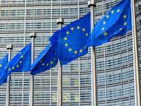 Google slapped with €1.49bn EU antitrust fine over ad practices