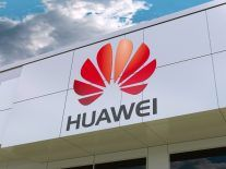 Huawei will delay launch of foldable Mate X phone to September