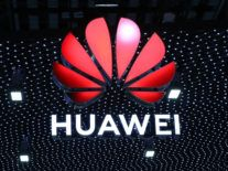 Huawei chief offers to sell 5G technology and patents to another company