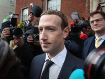 Mark Zuckerberg defends decision to meet with leading US conservatives