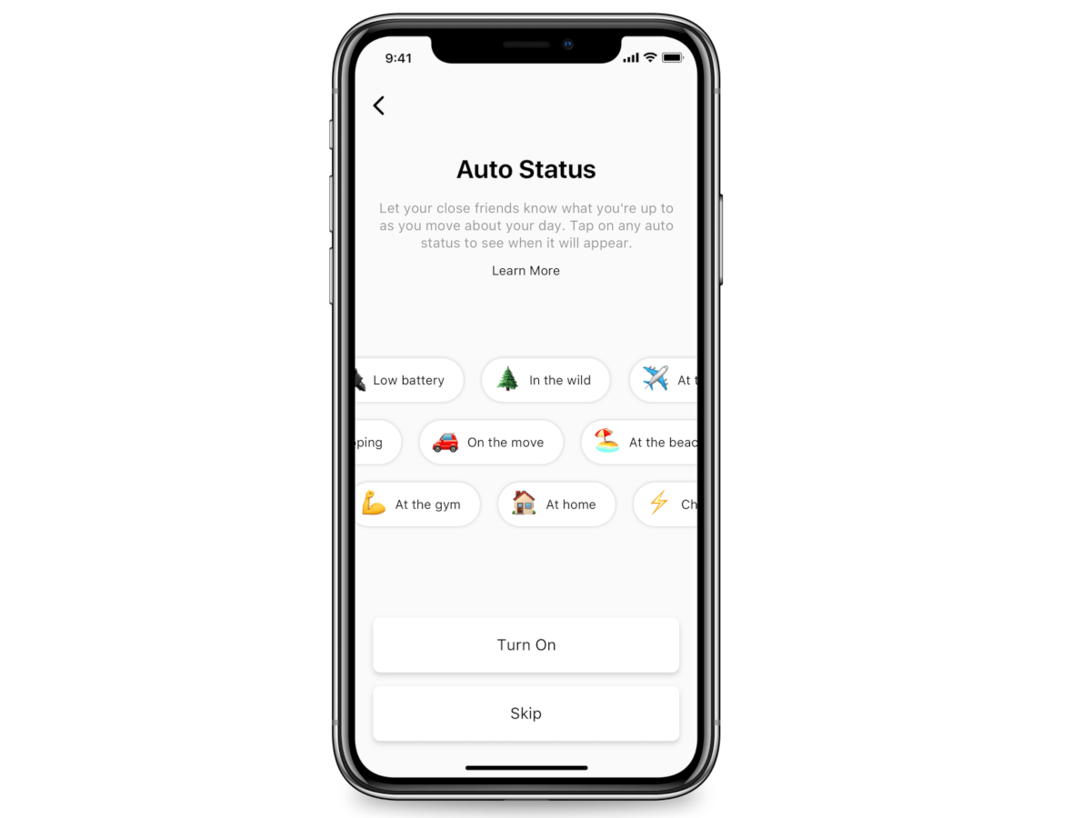 An iPhone XR screen open on the page of Threads which allows users to update their status.