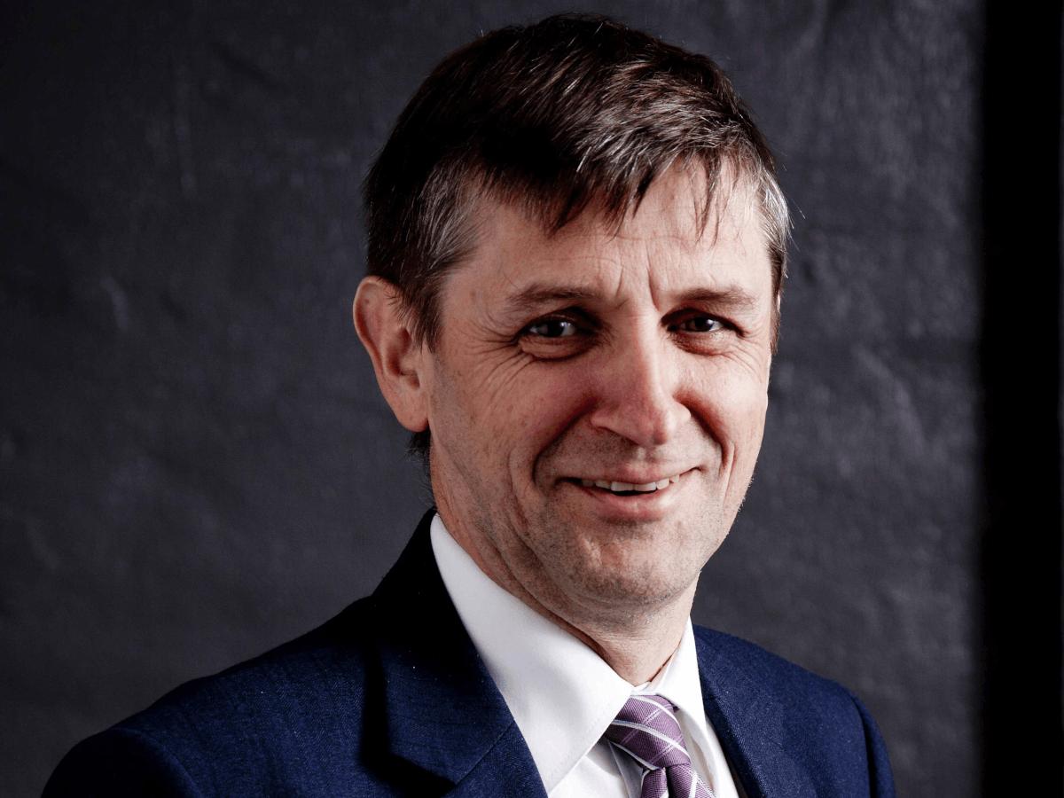 NUI Galway academic Prof Tim O'Brien receives Mayo Clinic award