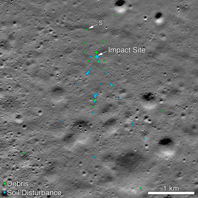 Dots showing where soil was disturbed by the Vikram crash (blue) and where the debris rested (green).