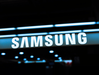 Samsung profits weathered 2020 but it expects weak start to 2021