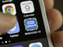 NHS contact-tracing app greatly curtailed virus spread, paper says