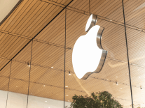 Apple posts record quarterly revenues of more than $100bn