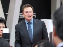 Elon Musk claims Tesla 'very close' to developing fully autonomous vehicle