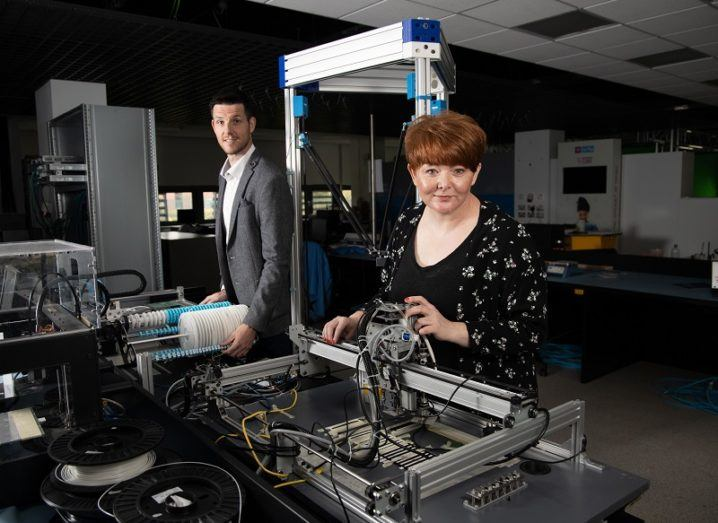 Dr Alan McGibney and Dr Susan Rea in a Nimbus lab surrounded by equipment.