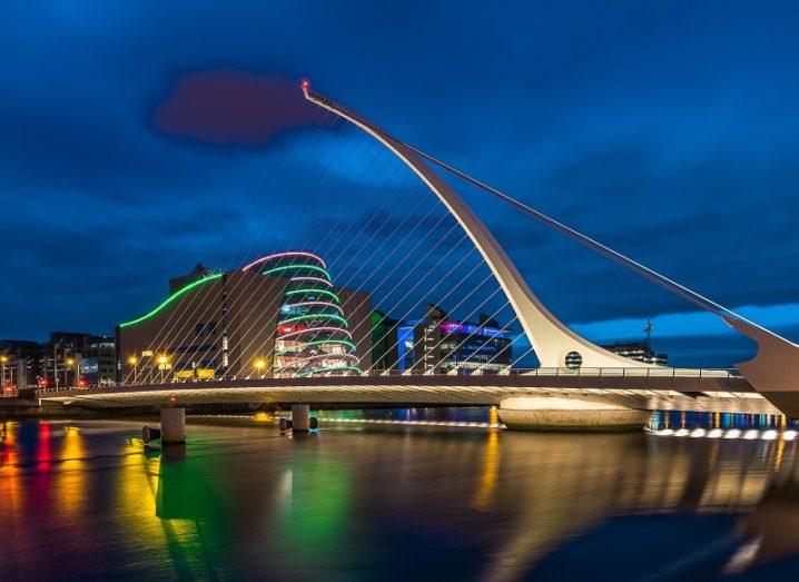 The Samuel Beckett Bridge at night.