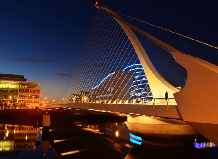 Samuel Beckett bridge in Dublin city centre at night.