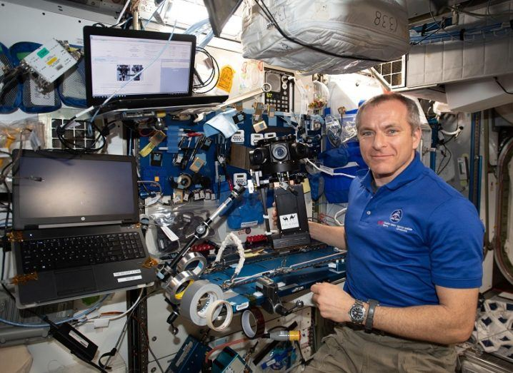 Canadian Space Agency (CSA) astronaut David Saint-Jacques setting up the VR camera for The ISS Experience investigation.