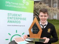 Teen who developed antimicrobial case for face masks wins student prize