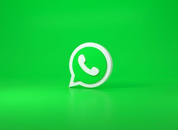 Illustration of WhatApp's logo on a green background.