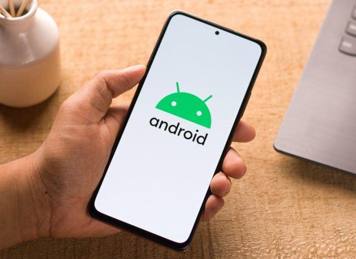 Neue Untersuchungen haben ergeben, dass Android-Handys in erheblichem Umfang Daten sammeln und weitergeben